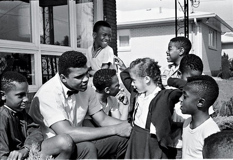 image: 'The Greatest' and the future/present Mrs. Ali  (© Steve Schapiro)