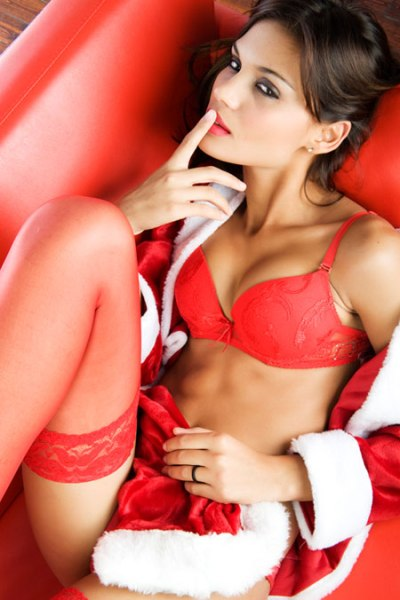 women_in_sexy_red
