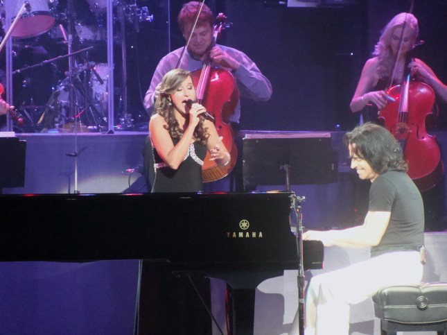 Lauren & Yanni in concert